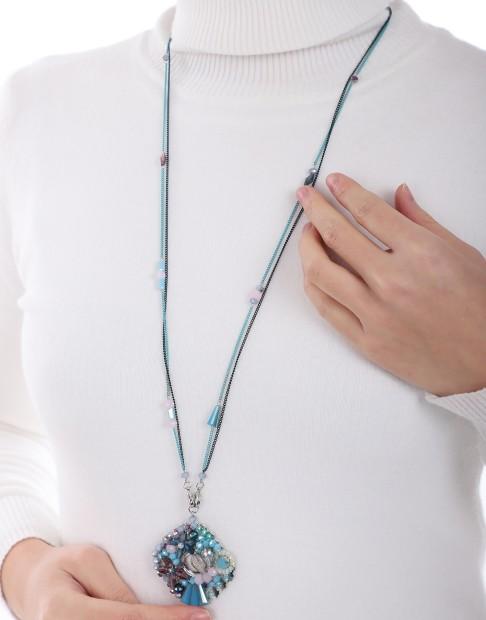 Collier long avec pendentif