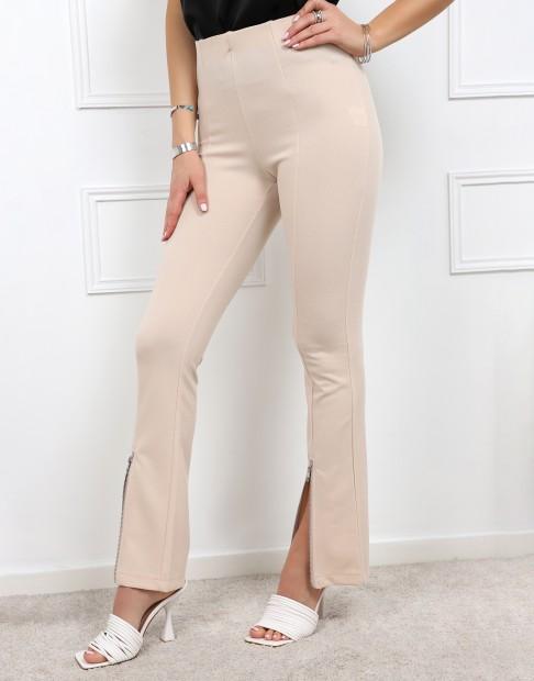 Pantalon fendu à l'avant