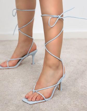 Sandales à talons aiguilles à bride de cheville