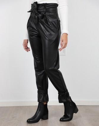 Pantalon en simili cuir
