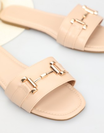 Nu-pieds en simili cuir